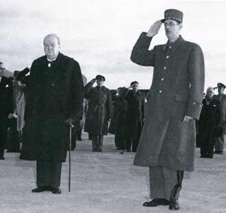 Премьер-министр Великобритании Уинстон Черчилль и генерал Шарль де Голль.